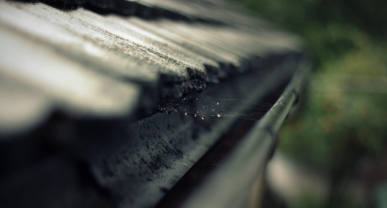 roof rain gutter